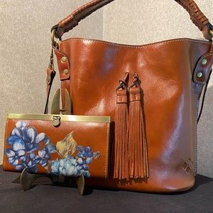 Patricia Nash OTAVIA Handbag and Matching Wallet